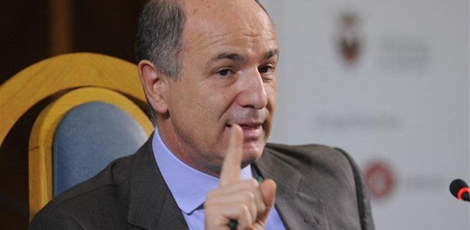 "Manovra, Passera: ""Bene tassa su rendite, ma sulle transazione bisogna capire""."