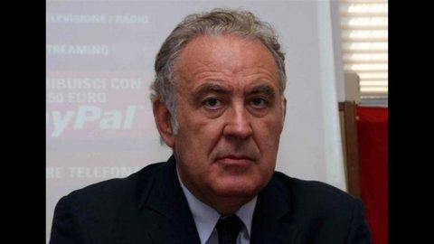 Interrotte trattative tra Santoro e La7, crolla titolo Telecom Italia Media