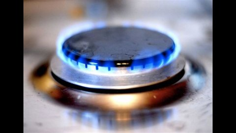 Manovra, rientrano i tagli del 30% sugli incentivi nelle bollette di gas e elettricità