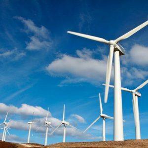 Energia: petrolio volatile, primato dell'eolico in Europa