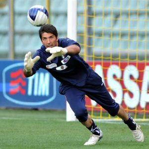 Mondiali – Stanotte l'Italia debutta contro l'Inghilterra ma senza Buffon che si è infortunato