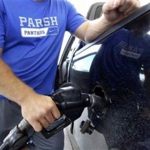 Caro-benzina senza tregua, al Sud sale fino a 1.67