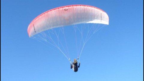 Kitesurf, parapendio e rafting: è l'estate degli sport estremi