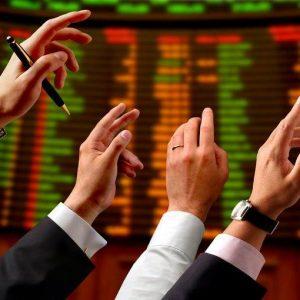 Analisti, l'approvazione della manovra resta determinante per invertire il sentiment del mercato