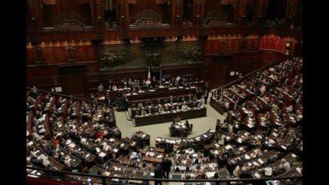 Decreto rifiuti: il Governo va sotto due volte su mozioni Idv e Api