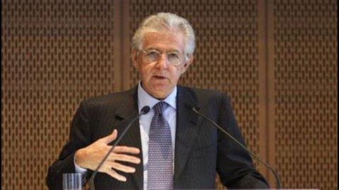 """Monti: """"Dalla crisi si esce solo con gli eurobond"""""""