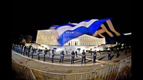 La Grecia piazza bond semestrali per 1,3 miliardi, rendimenti al 4,86