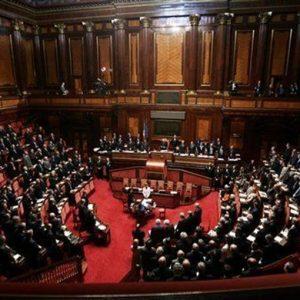 Manovra al Senato: pioggia di emendamenti su tribunalini, saldi e pensioni