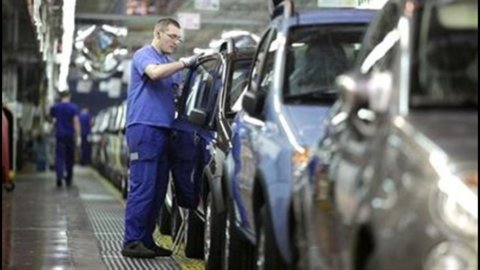 Auto: in Italia domanda ancora debole, segnali positivi in Francia e Spagna