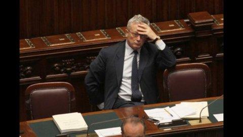 Financial Times: Tremonti non è indispensabile per l'Italia