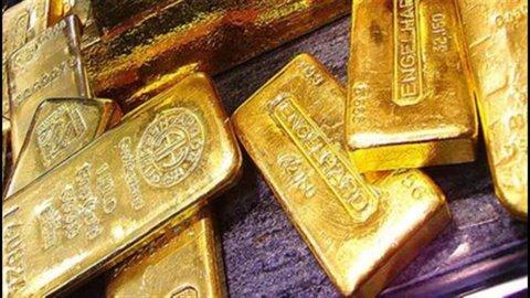 Oro, a Hong Kong sotto i 1.600 dollari l'oncia