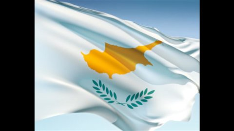 Cipro, per evitare il salvataggio esterno necessarie azioni decise