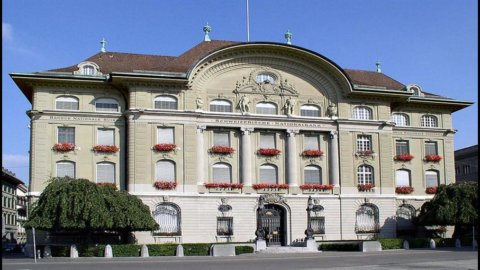 Svizzera, ancora una svalutazione del franco