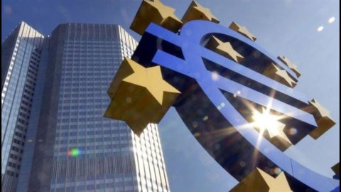 Bce, depositi marginali record e prestiti in calo