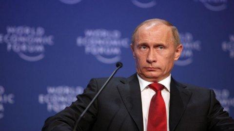 Russia, Putin: aiuti a Eurozona in cambio di spazio nell'Fmi