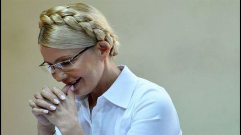 Yulija Timoshenko in carcere, l'ex premier ucraino arrestata in aula