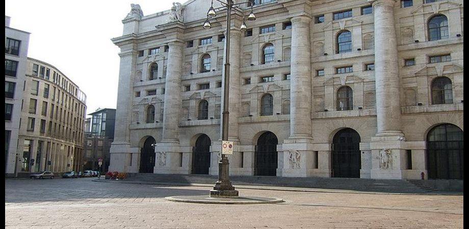 La lettera Trichet-Draghi all'Italia, il caso Bankitalia, la crisi Bpm scuotono politica e mercati