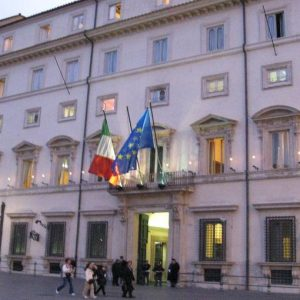 Le istituzioni ai tempi di Cosciani e quelle di oggi tra corporativismo e populismo