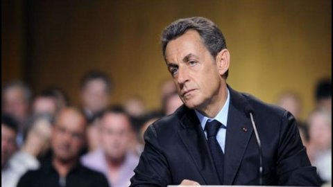 Sarkozy: rimettiamo l'Italia in carreggiata