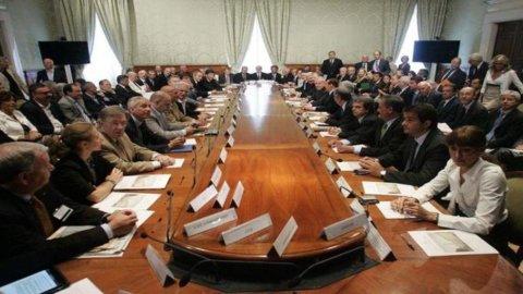 Incontro Governo-parti sociali: Berlusconi cerca un sì sui tagli, i sindacati per la patrimoniale