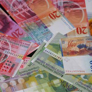Svizzera: il franco perde terreno