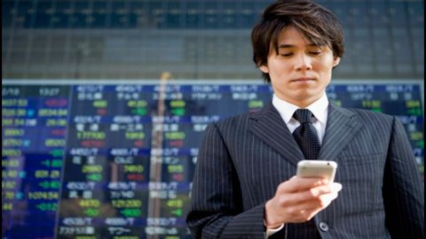 Borsa, lo yen debole fa volare Tokyo: +3%
