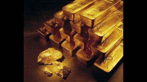 Oro, quota record 1.871 dollari