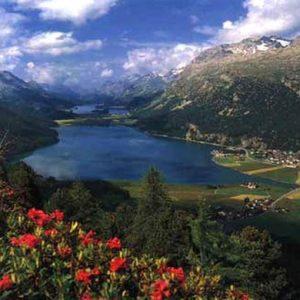Vacanze: il franco forte sta mettendo in crisi il turismo anche a Saint Moritz e nell'Engadina