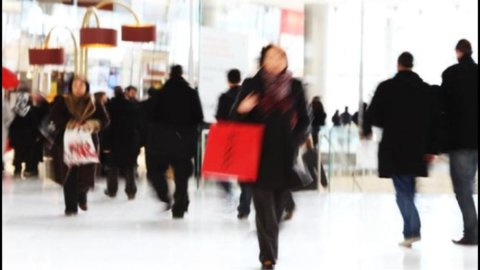 Istat: migliora la fiducia dei consumatori a febbraio
