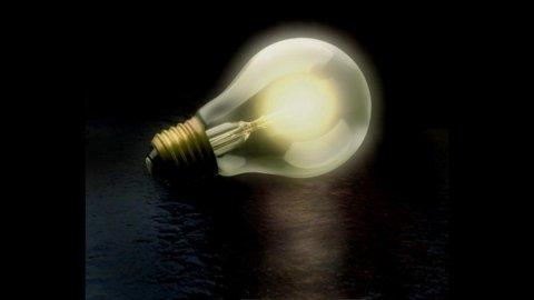 Terna: cala la domanda di energia elettrica, -3,7% a marzo