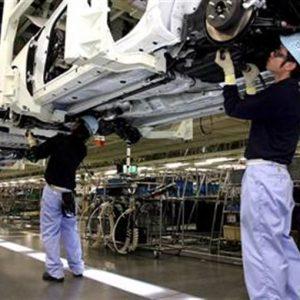 Giappone, cresce produzione industriale ma meno delle attese