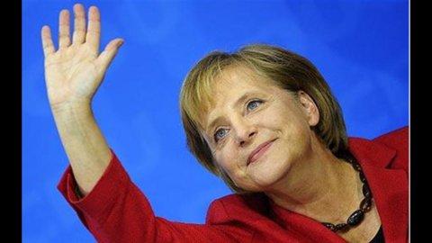 Merkel, la Grecia non può uscire dall'euro