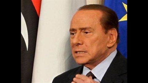 L'ok del Senato alla manovra non basta: i tre macigni politici per Silvio Berlusconi