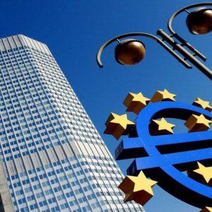Borse col turbo, spread in calo. Piace l'idea Eurobond
