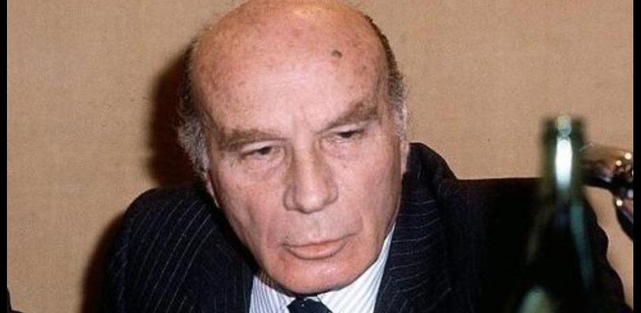 """Il """"vincolo esterno"""" da Carli a Berlusconi. O come l'Italia si riduce a fare solo se obbligata"""
