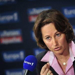 Francia, nuovi treni troppo larghi: rifare i binari costerà 50 milioni
