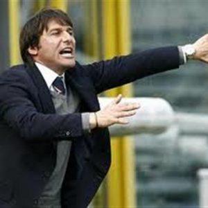 Il calciomercato comincia dalle panchine: Conte tiene in ansia la Juve, il Milan liquida Allegri