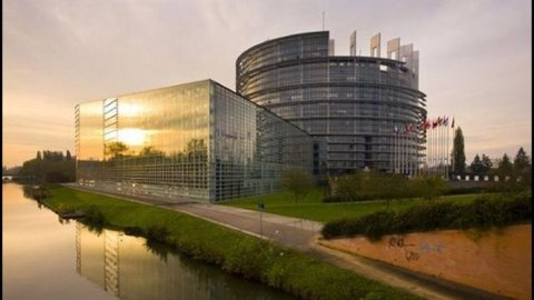 Europarlamento: ok a nuova governance economica, rafforzato il Patto di stabilità