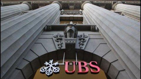Ubs, perdite nel trimestre per oltre 3 miliardi: taglio di 9.500 posti di lavoro entro il 2015