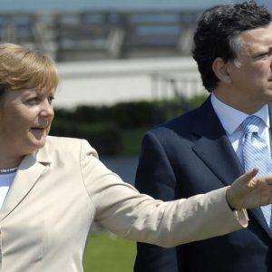 Merkel: cambiare il trattato Ue non deve essere un tabù. Vogliamo che l'Europa sia un successo