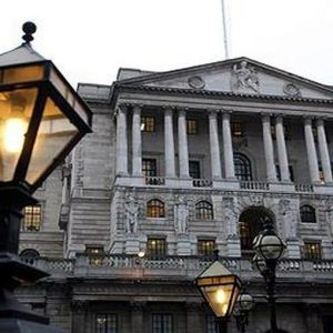 Stress test BoE: 7 banche promosse su 8, salve le big