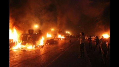 Cairo, Borsa crolla dopo strage copti (-5%)