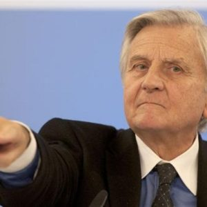 Trichet, la crisi sta peggiorando. Ore cruciali per l'Europa.