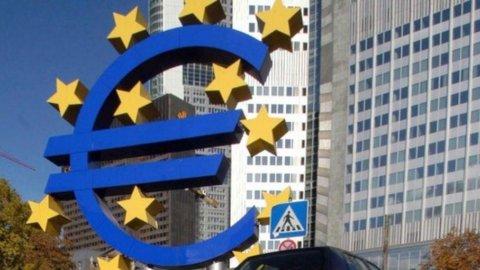 Piano bazooka per salvare l'euro e Sarkozy lancia l'ultimatum: se Merkel non ci sta, salta l'Europa