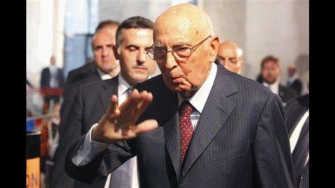 """Berlusconi alla Camera: """"Non faccio passi indietro: o la fiducia o le elezioni anticipate"""""""
