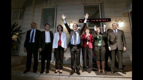 Francia, Hollande vince le primarie: adesso inizia la vera sfida.