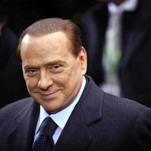 """Dl sviluppo, Berlusconi: """"Mancano i soldi, ci inventeremo qualcosa"""""""