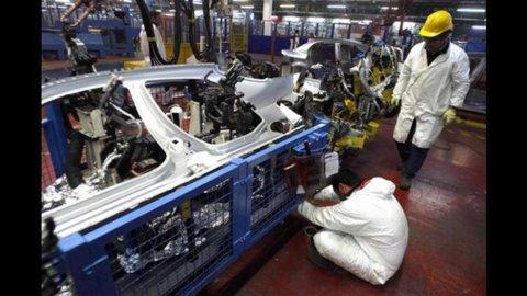 Eurozona, industria: crollano gli ordini. Indice Pmi ancora in contrazione