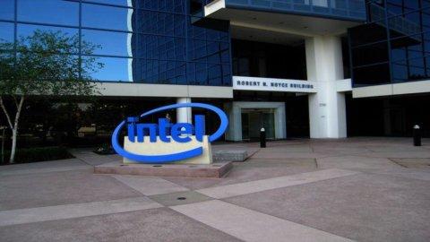 Intel, previsti risultati inferiori alle attese nel IV trimestre