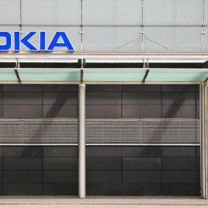 Nokia, perdite inferiori alle attese